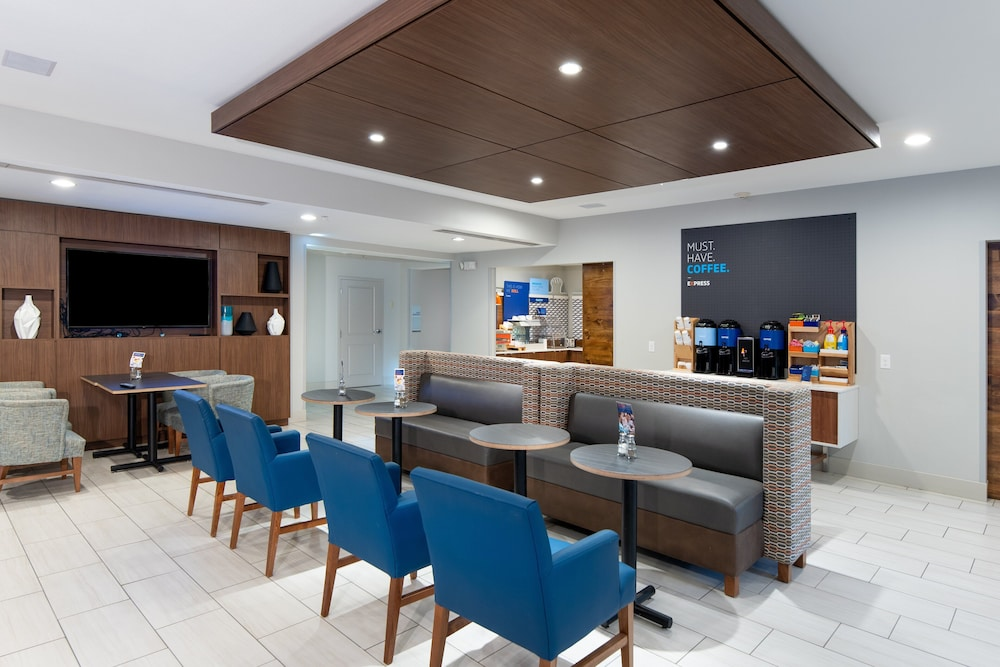 Breakfast Area, Holiday Inn Express Hotel & Suites Dallas South - Desoto