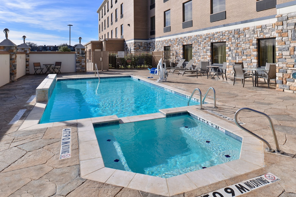Pool, Holiday Inn Express Hotel & Suites Dallas South - Desoto