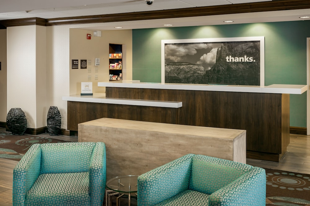 Lobby Lounge, Hampton Inn & Suites Las Vegas-Red Rock/Summerlin