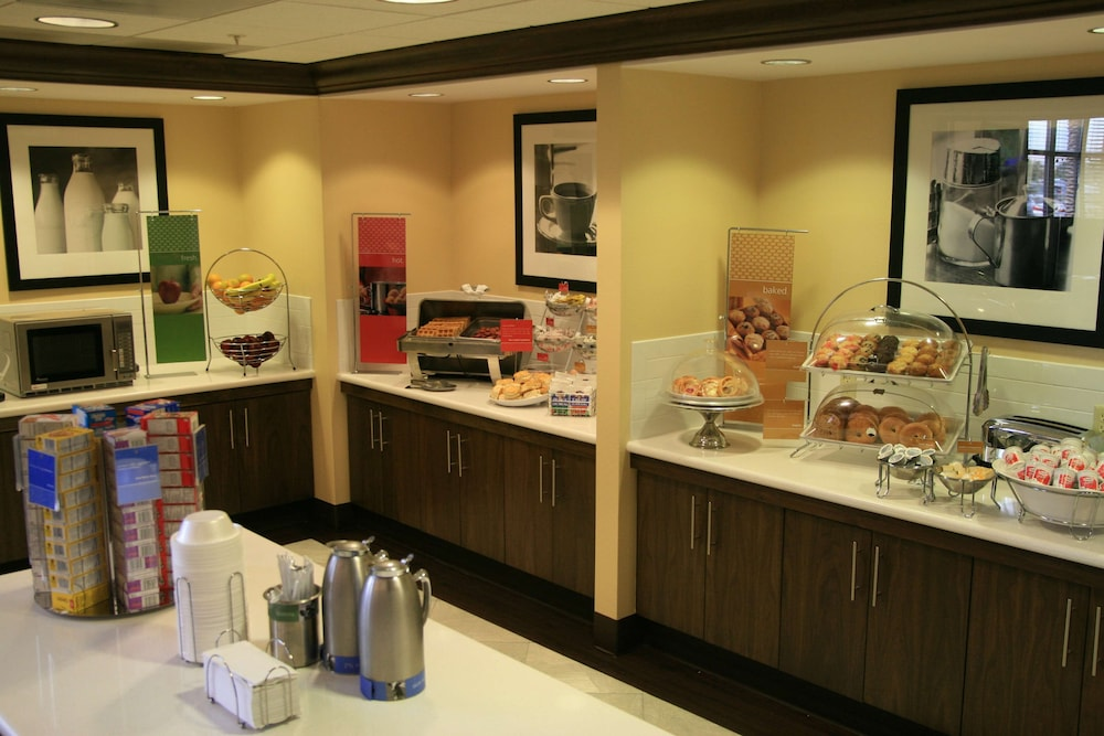 Breakfast Area, Hampton Inn & Suites Las Vegas-Red Rock/Summerlin