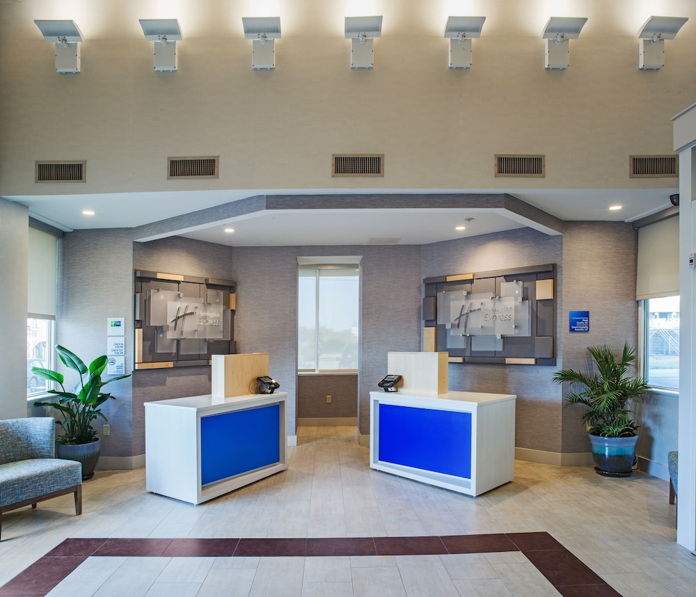Lobby, Holiday Inn Express Nags Head Oceanfront