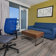 holiday inn express nags head oceanfront 2019 room prices. Black Bedroom Furniture Sets. Home Design Ideas
