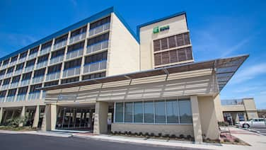 Holiday Inn Express Nags Head Oceanfront, an IHG Hotel