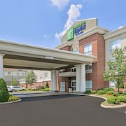 Holiday Inn Express & Suites Parkersburg-Mineral Wells