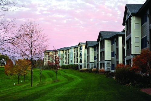 Great Place to stay Holiday Inn Club Vacations at Lake Geneva Resort near Lake Geneva