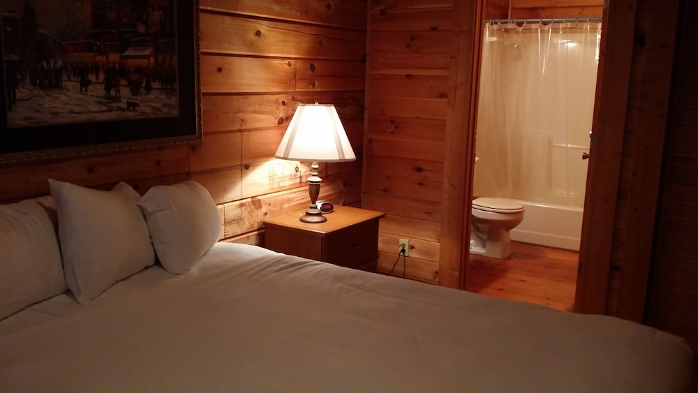Room, Mountain Top Inn and Resort