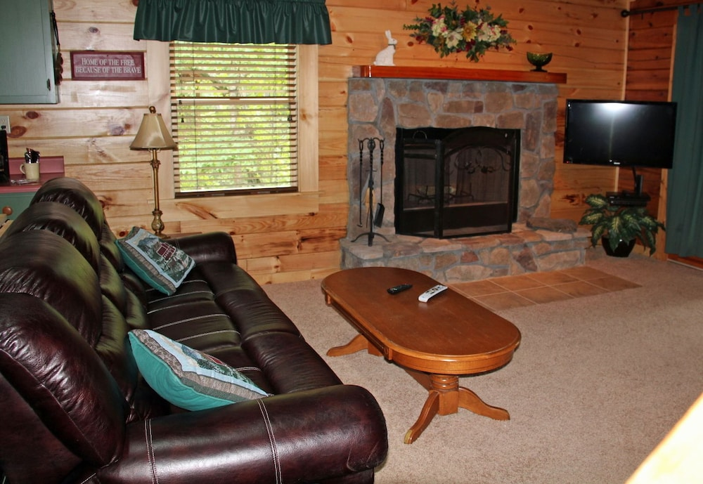 Living Room, Mountain Top Inn and Resort