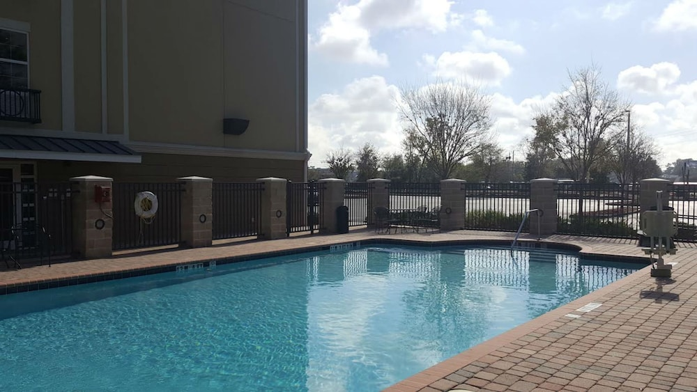 Pool, Holiday Inn Express and Suites Jacksonville East, an IHG Hotel