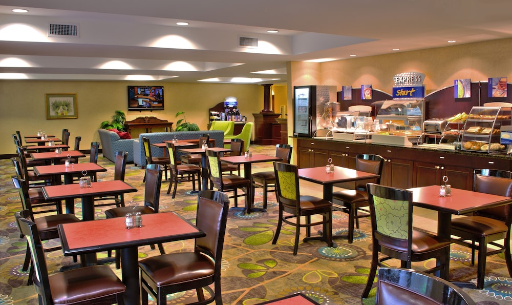 Breakfast Meal, Holiday Inn Express and Suites Jacksonville East, an IHG Hotel