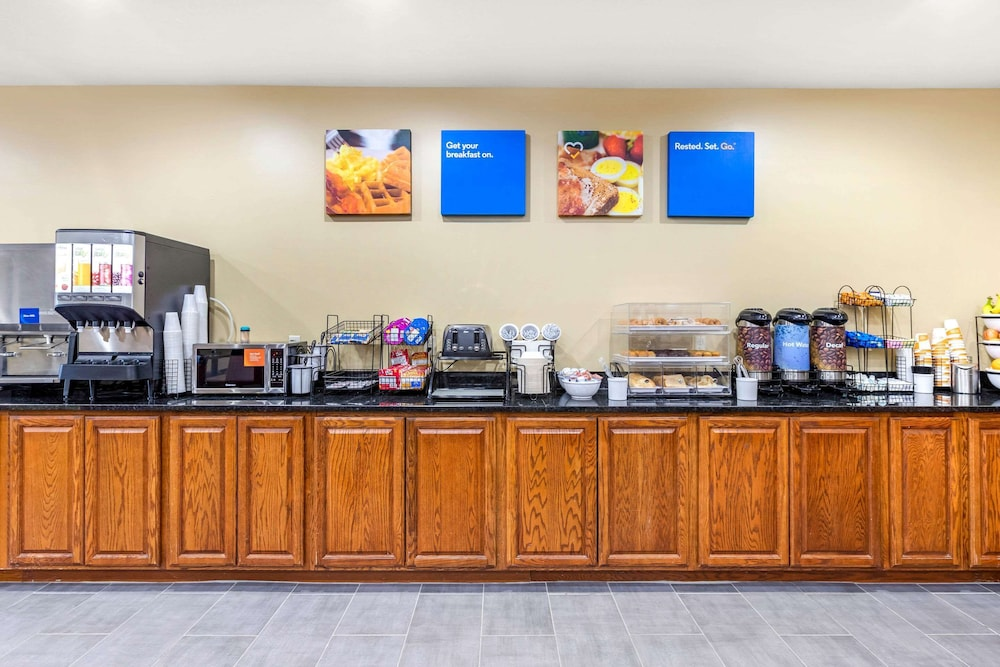 Coffee Service, Comfort Inn & Suites Davenport - Quad Cities