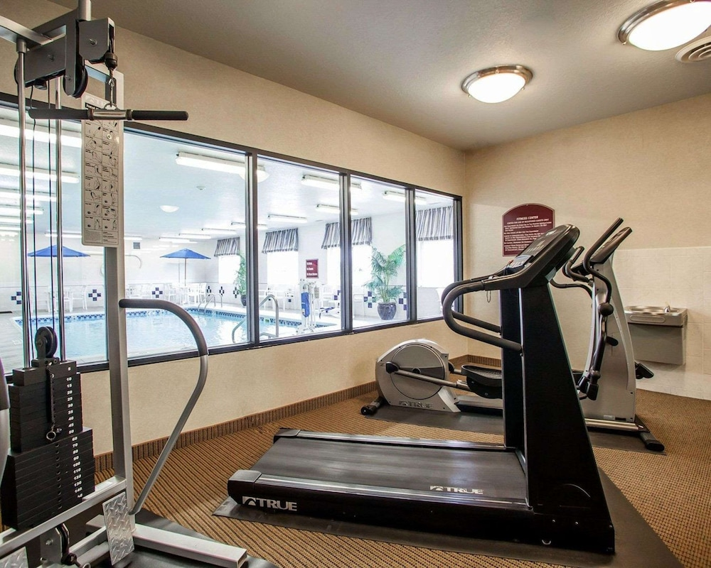 Fitness Facility, Comfort Inn & Suites Davenport - Quad Cities