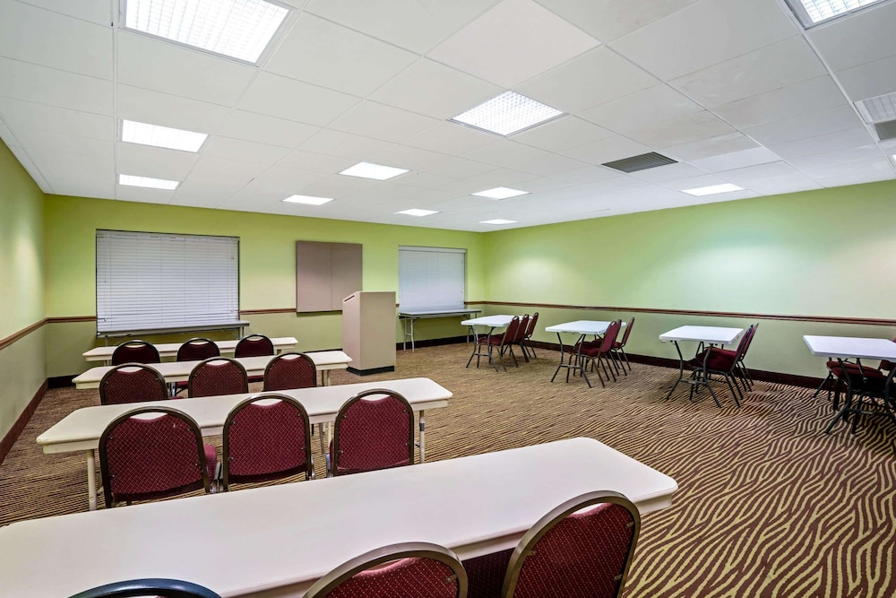 Meeting Facility, La Quinta Inn & Suites by Wyndham Sevierville / Kodak