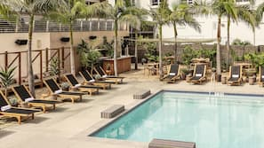 Outdoor pool, free pool cabanas, pool loungers