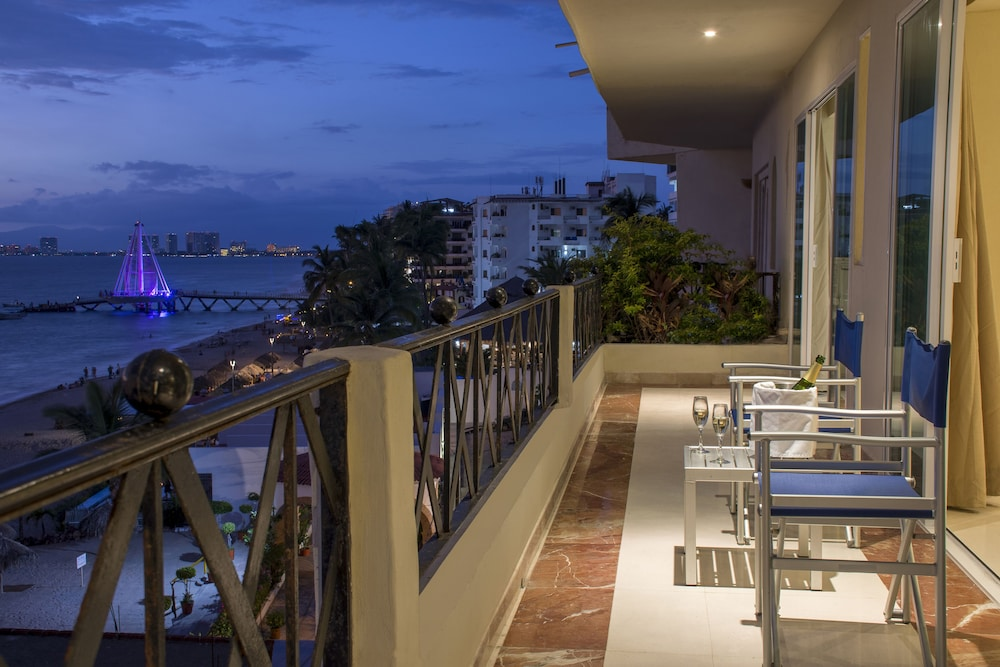 Blue Chairs Resort by the Sea Reviews s & Rates