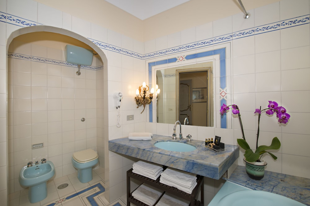 Bathroom, Hotel Casa Albertina