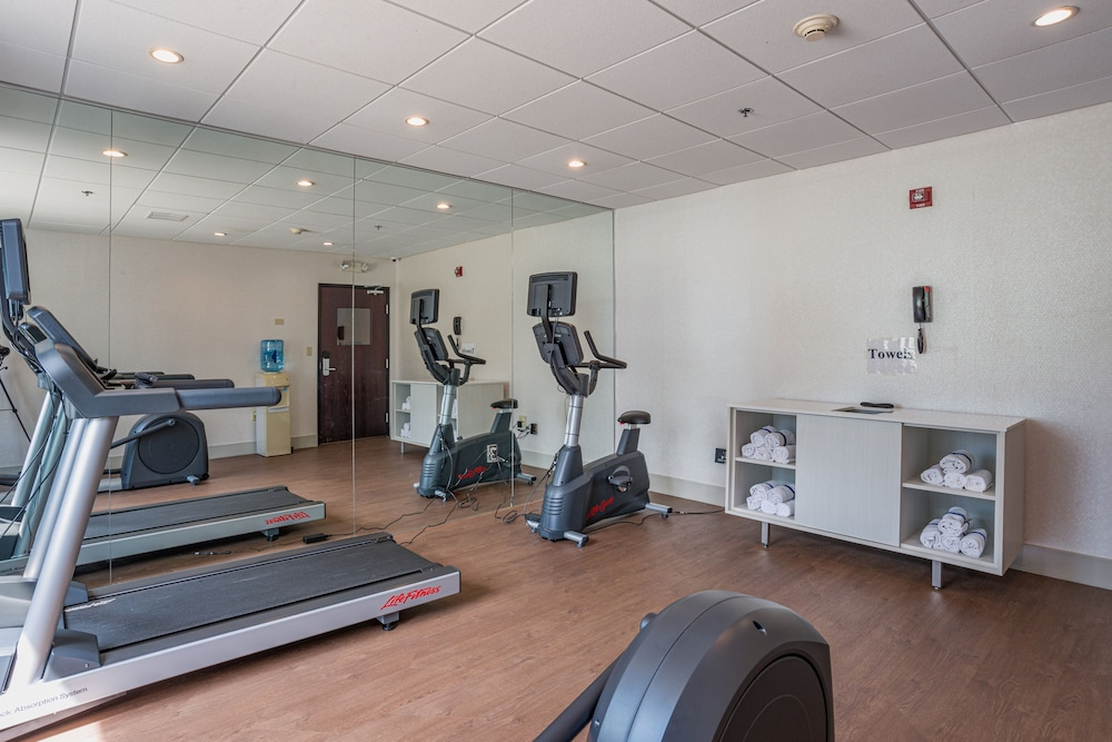 Fitness Facility, Holiday Inn Express Hotel & Suites Swansea