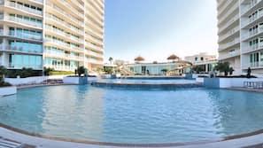 3 indoor pools, 8 outdoor pools