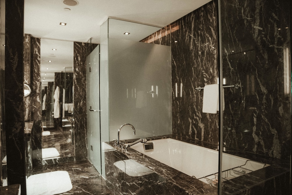 Bathroom, The Hazelton Hotel Toronto