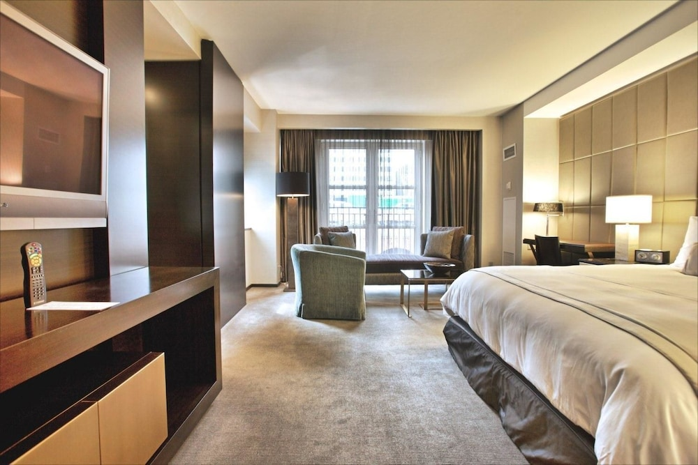 Room, The Hazelton Hotel Toronto