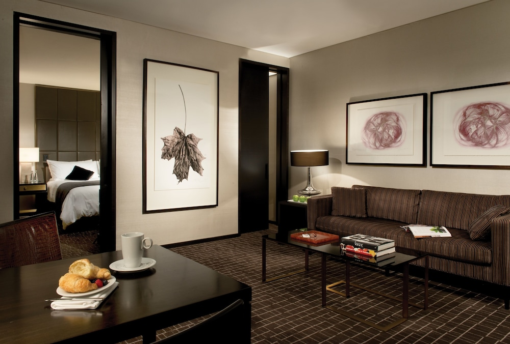 Living Area, The Hazelton Hotel Toronto