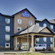 Lakeview Inns & Suites - Fort Nelson