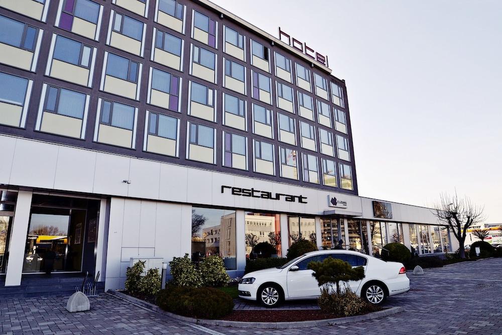 Aston business hotel deals reviews bratislava svk wotif for Hotel design 21 bratislava