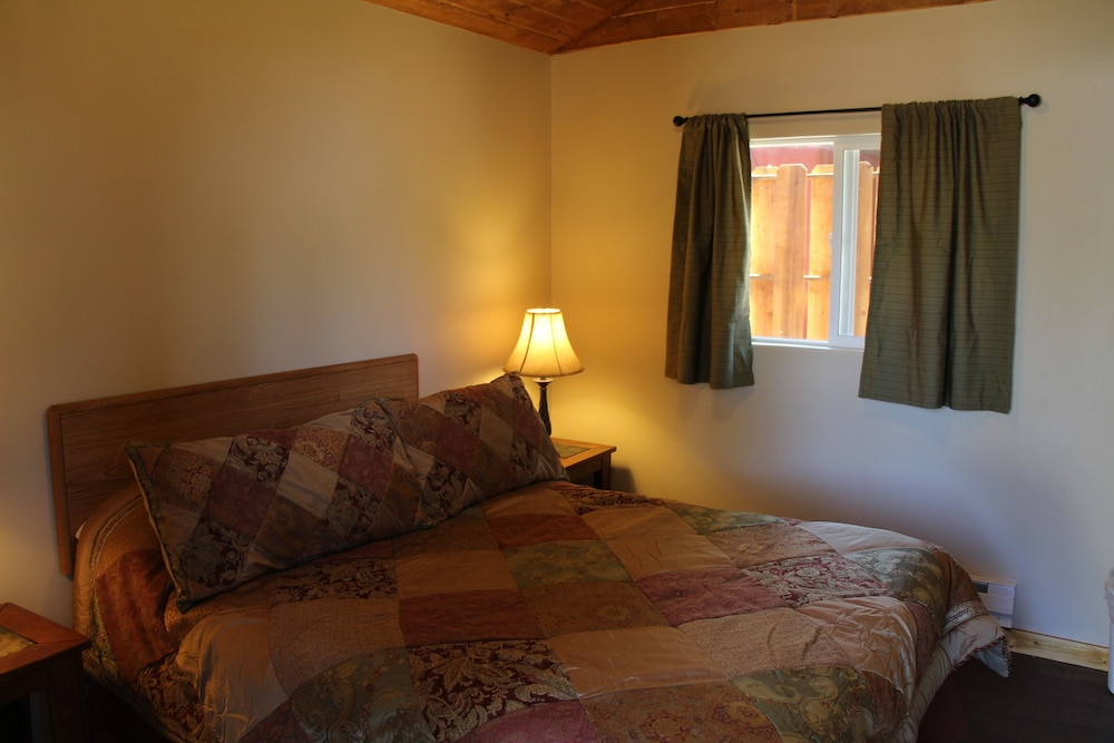 Room, Lake View Lodge