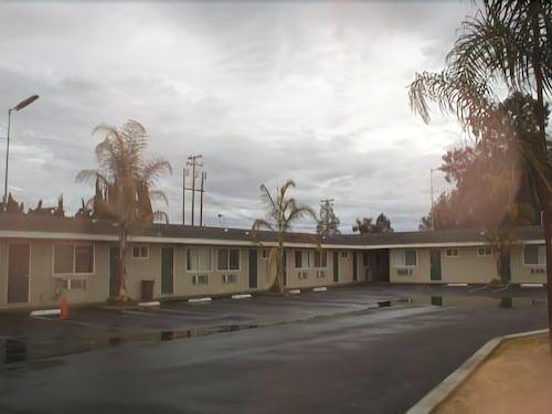 Check Expedia for Availability of Kings Inn Motel