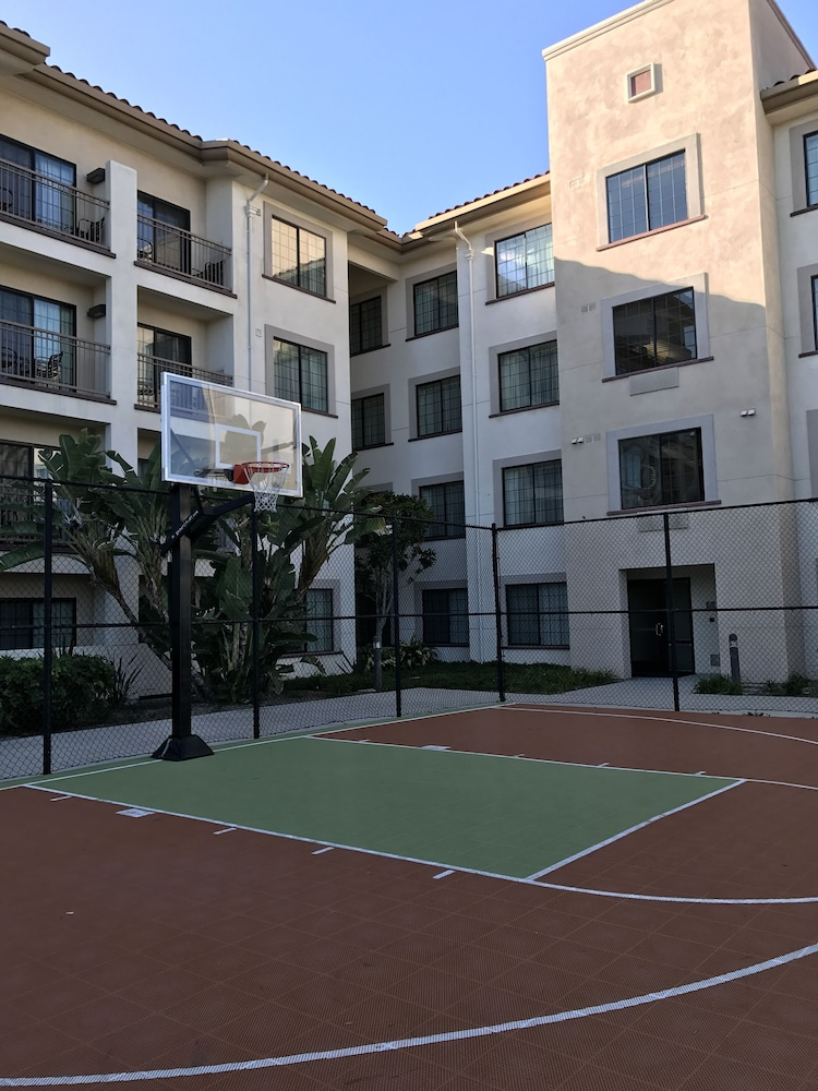 Basketball Court, Homewood Suites by Hilton San Diego Airport/Liberty Station
