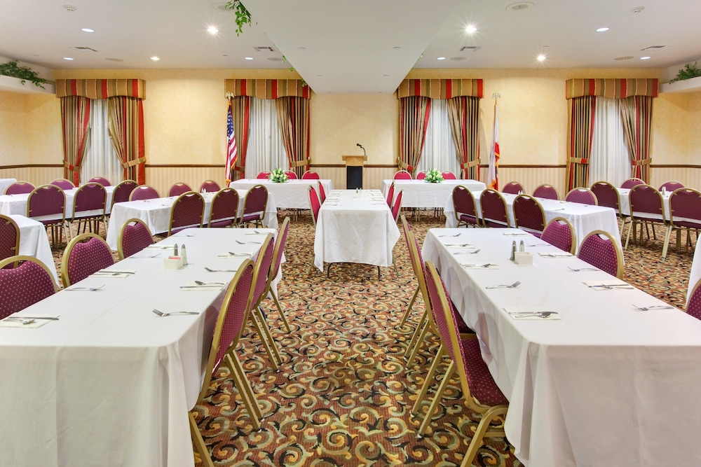 Meeting Facility, Holiday Inn Express Hotel and Suites Beaumont
