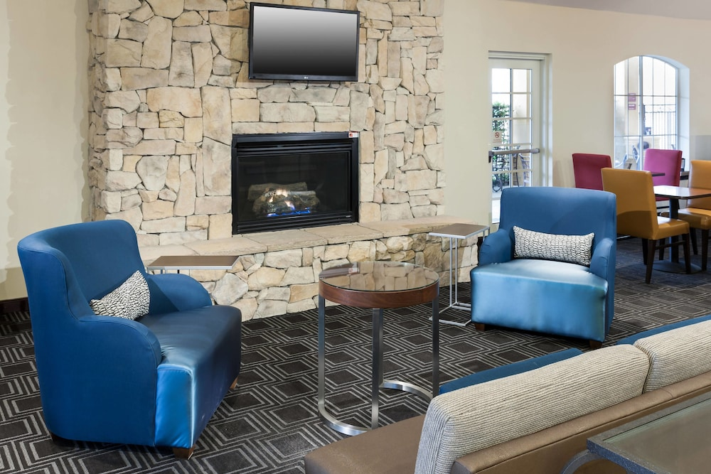 Lobby, TownePlace Suites by Marriott San Antonio Airport