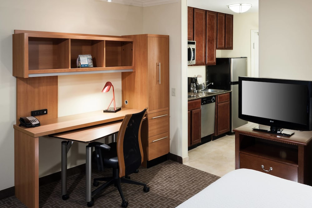 Private Kitchen, TownePlace Suites by Marriott San Antonio Airport