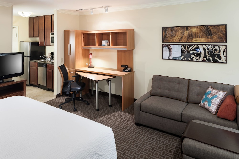 Room, TownePlace Suites by Marriott San Antonio Airport