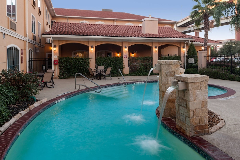 Pool, TownePlace Suites by Marriott San Antonio Airport