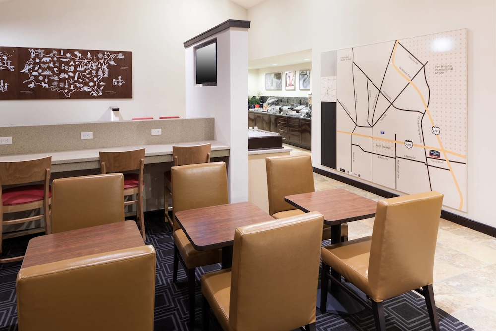 Breakfast Area, TownePlace Suites by Marriott San Antonio Airport