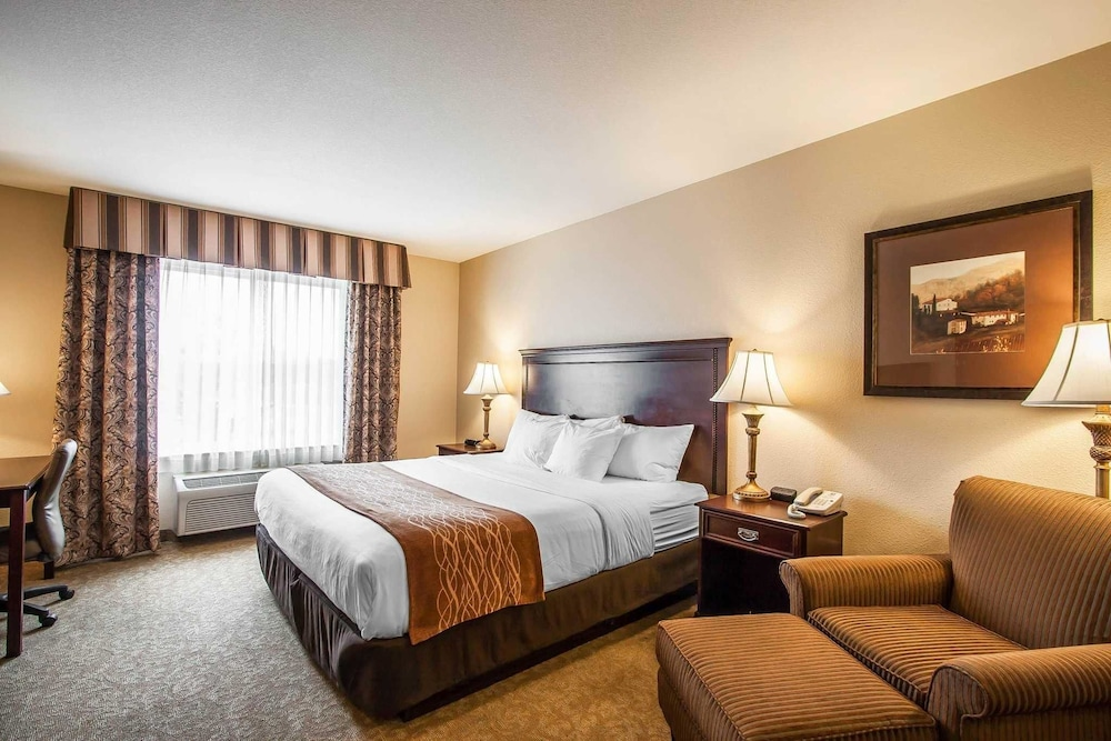 oregon property featured grounds suites near mcminnville entrance comfort interior comforter image inn