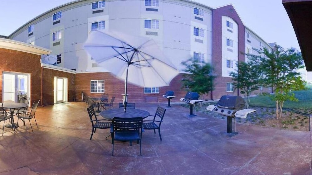 BBQ/Picnic Area, Candlewood Suites DFW South, an IHG Hotel