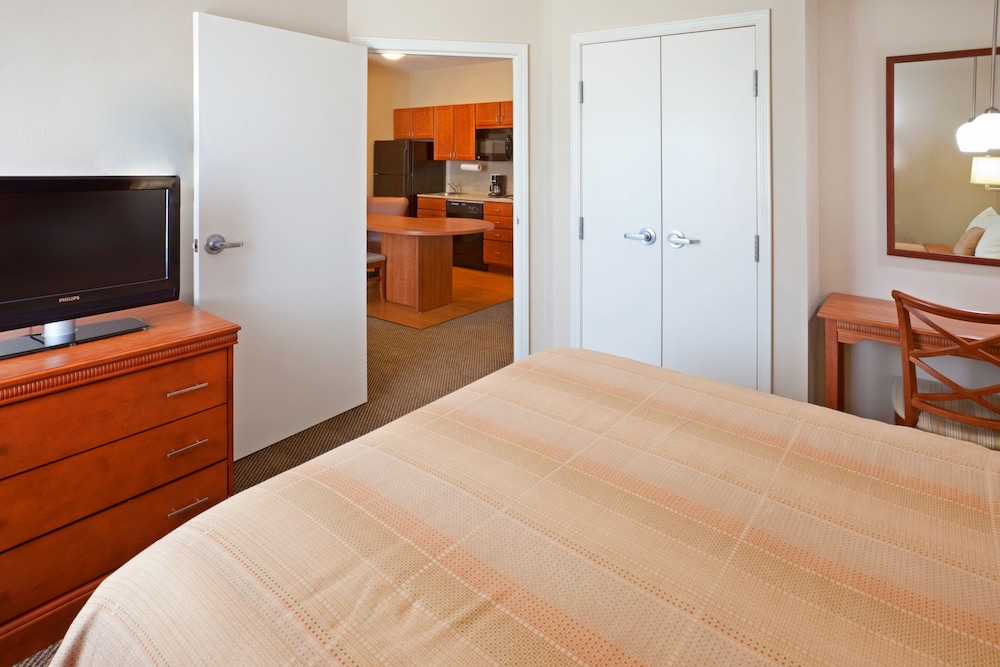 Room, Candlewood Suites DFW South, an IHG Hotel
