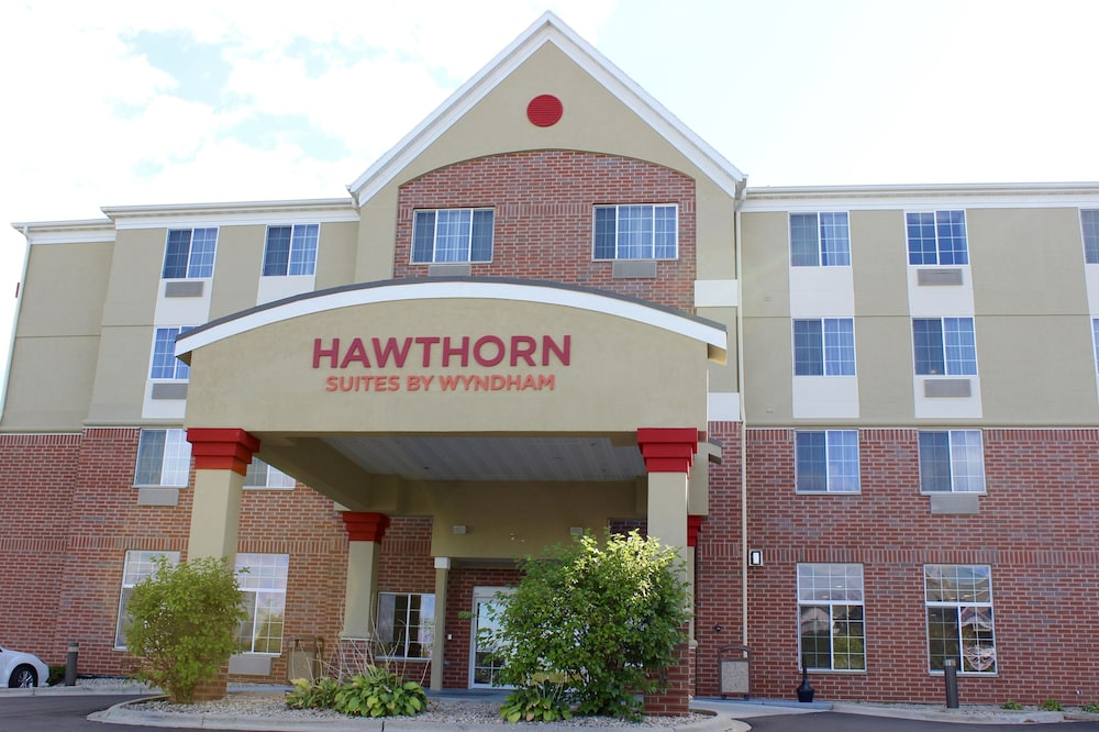 Front of Property, Hawthorn Suites by Wyndham Madison Fitchburg