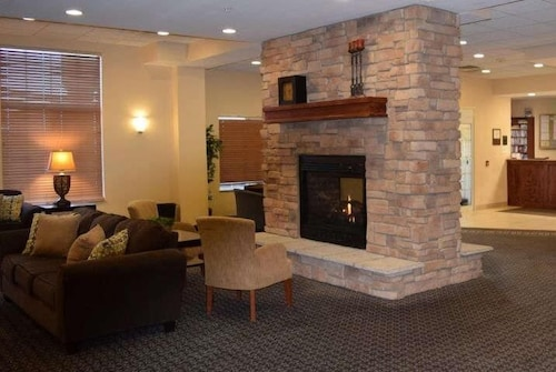 Lobby, Hawthorn Suites by Wyndham Madison Fitchburg