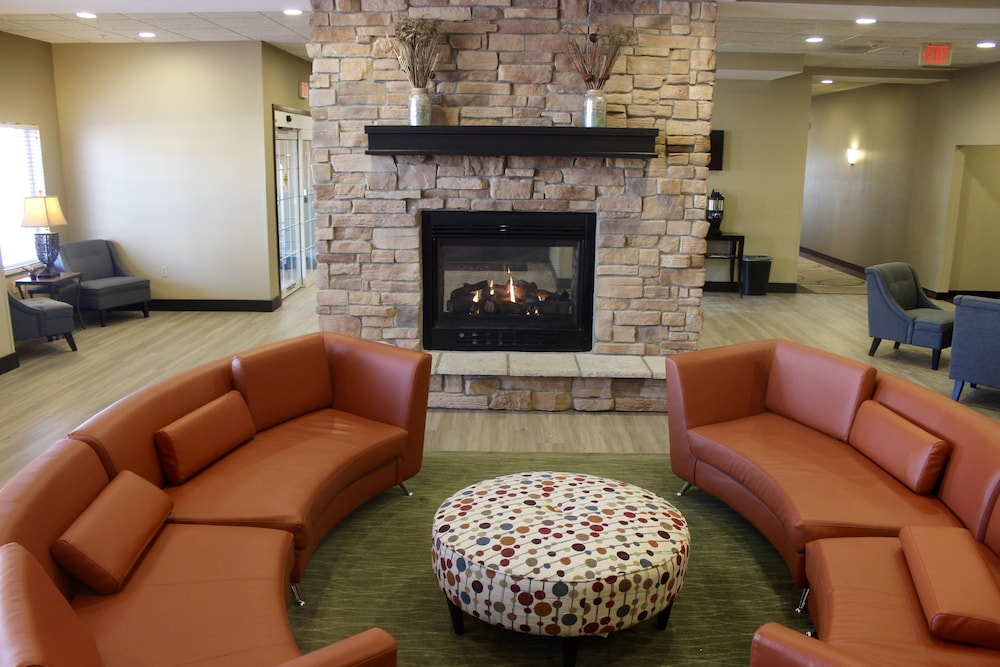 Lobby Sitting Area, Hawthorn Suites by Wyndham Madison Fitchburg