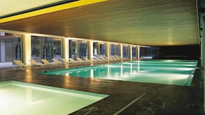 Indoor pool, 4 outdoor pools, pool umbrellas, pool loungers