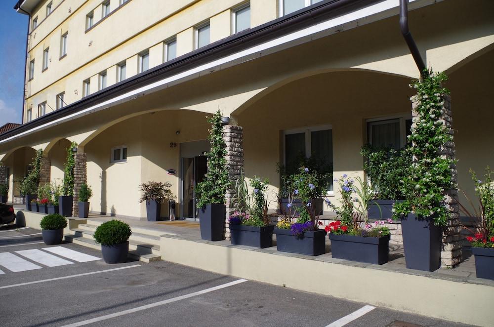 Best Quality Hotel La Darsena in Turin  210314bf82d