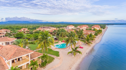 Hopkins Bay Belize- a Muy'Ono Resort