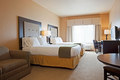 Great Place to stay Holiday Inn Express & Suites Eau Claire North near Chippewa Falls