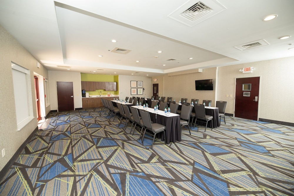 Meeting Facility, Holiday Inn Express Clinton, an IHG Hotel