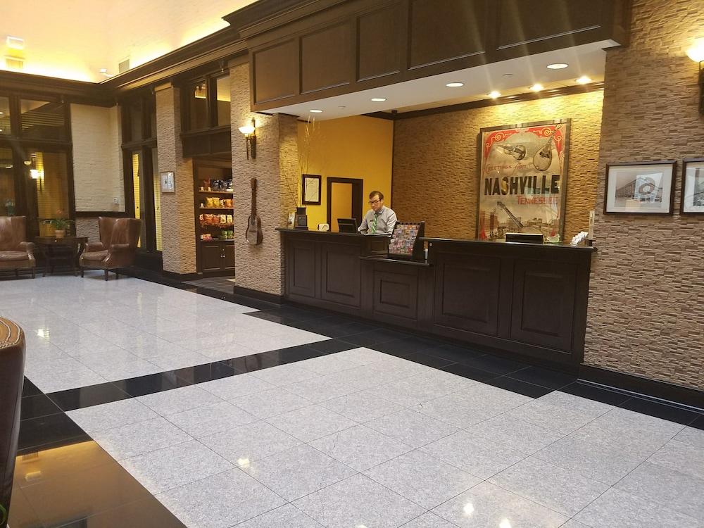 Homewood suites by hilton nashville downtown in nashville hotel rates reviews on orbitz for Hotel suites nashville tn 2 bedroom