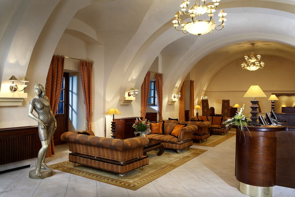 Lobby, Lindner Hotel Prague Castle
