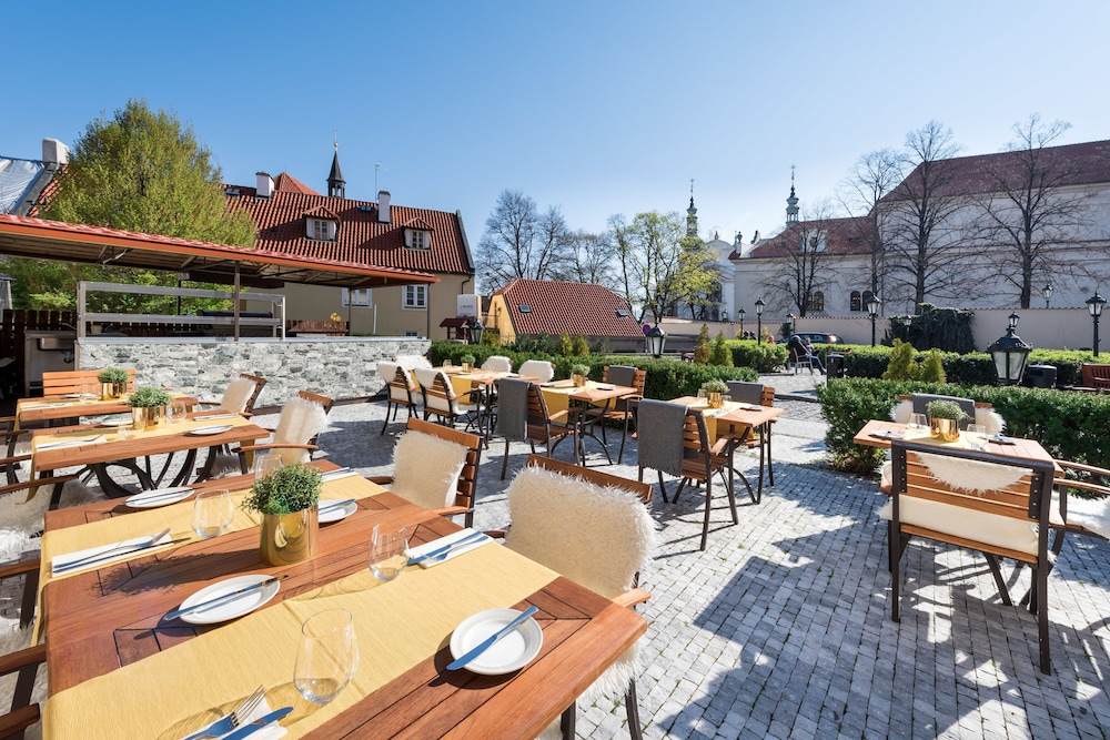 BBQ/Picnic Area, Lindner Hotel Prague Castle