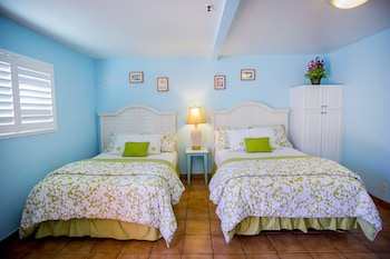 Standard Room, 2 Queen Beds, Kitchenette - Guestroom
